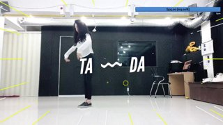 Tyongeee showing her dance skills to beddle