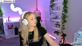 chat stinks like cheese !! - !twitter !gg