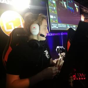 Sak0ner on Twitch