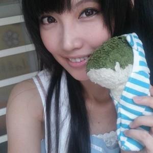 盛夏微涼 Twitch avatar