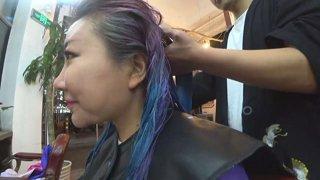 dye hair in gay salon in shanghai >.<