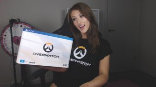 Unboxing Collector's Edition of Overwatch!
