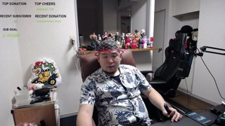 Highlight: Chilling with chat in hair net [Tokyo/Japan] !merch !social