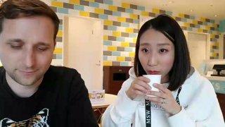 Tokyo - Shiba Inu cafe (alerts!?)