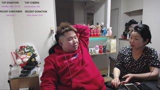 pooping [Tokyo/Japan] !social !merch
