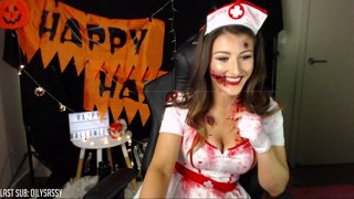 Zombie Nurse plays Daylight