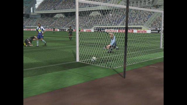 Pro Evolution Soccer 4 Christian Vieri Weak Foot overhead Kick